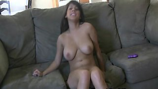 Busty Babe Layla Rose Plays Her Pussy On A Couch