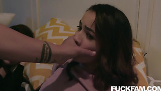 Stepdaughter Aliya Brynn Blows her STEPDAD with Jackie Rogen
