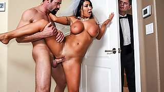 Brazzers – Catch The Garter Belt, Fuck The Bride