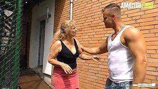 HausfrauFicken - German Granny Yvonne Fucks With Bodo Hard