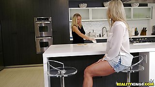 Sexy MILF Brandi Love banged in the kitchen