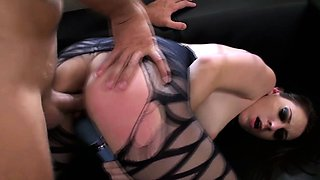 Squirting emo chick fucked and toyed close up