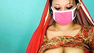 tamil bitc show boobs up her shalwar 432
