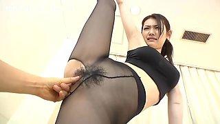 Fuck the Taiwanese stewardess! She looks super beautiful