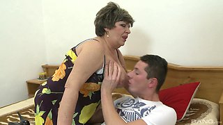 Rough sex with this fat granny after she wakes up the nephew