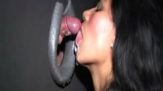 Deepthroat Gloryhole mit geiler Latin Babe