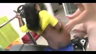 Black slut fucked in the gym by a personal trainer