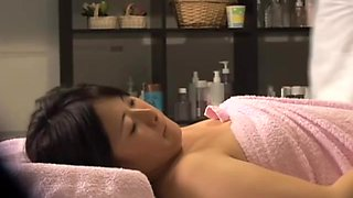 Big booty Jap babe gets some fun in voyeur massage video