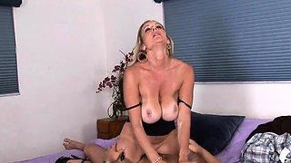 Sexy busty blonde cougar Cassy Torri enjoys tang licking