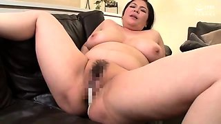 Busty girlfriend gives handjob with big cumshot happy end