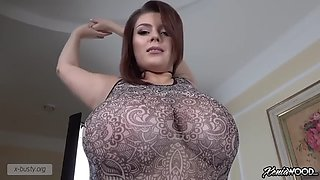 Xenia Wood Voluptuous Figure 2