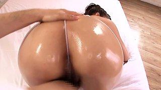 Massaged japanese bikini model climaxes