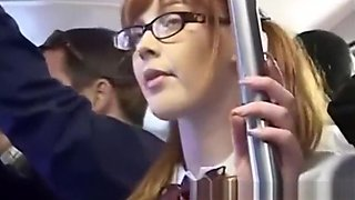 Horny girl fingerfucked to orgasm on bus