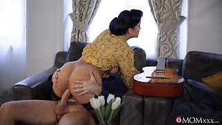 Big ass and tits wife Jennifer Mendez loves having doggystyle sex