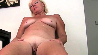 Grandma has her hardest orgasms in pantyhose