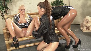 Sexy Tiffany Doll and her two friends like to please each other