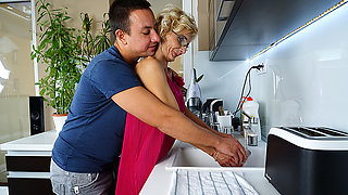 Naughyt Housewife Doing Her Toy Boy In The Kitchen - MatureNL