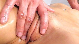 Teen slut daughter got sex massage