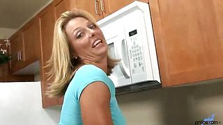 Sexy cock-crazy wife prepares her bald pussy for fat dick