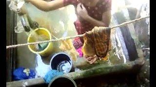Bangla desi village girls bathing in Dhaka city HQ (5)