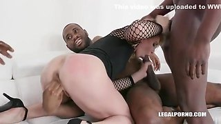 Sindy Rose Is Back With A New Pissing Experience, Dap