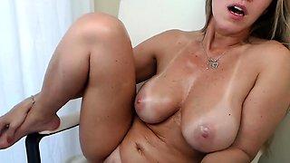 Free Chat Latina Big Boobs Fucking Machine on Webcam
