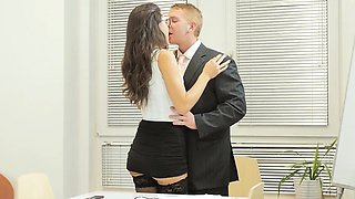 Babes - Office Obsession - Learning the Ropes