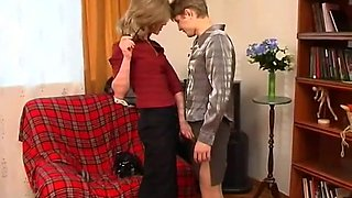 Russian MILF dominates young guy