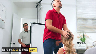 Brazzers Milfs Like it Big Linzee Ryder Keiran Lee An Extra Buck