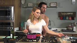 Aubrey got horny cooking in the kitchen