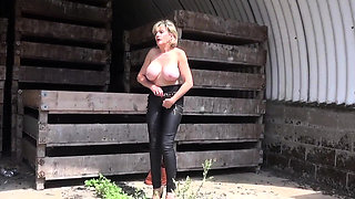 Lady Sonia nude striptease and flashing in public