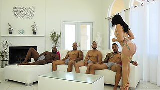 PAWG Mandy Muse gets messy facial after hardcore interracial gangbang